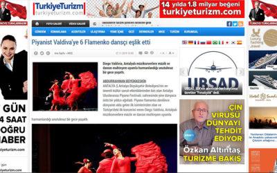 Piyanist Valdiva'ye 6 Flamenko dansçı eşlik etti